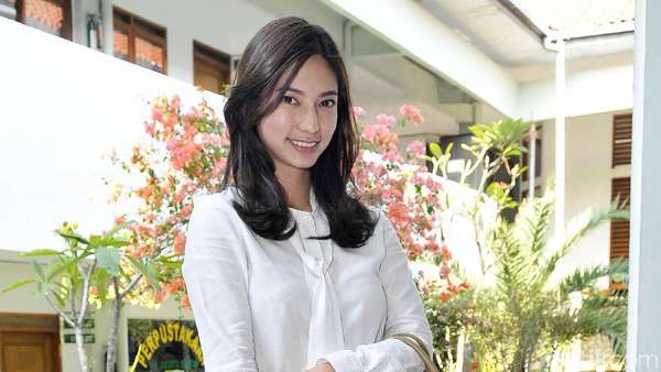 Sexy and Smart! Nadia Saphira yang Tak Lagi Jadi Milly si Lemot