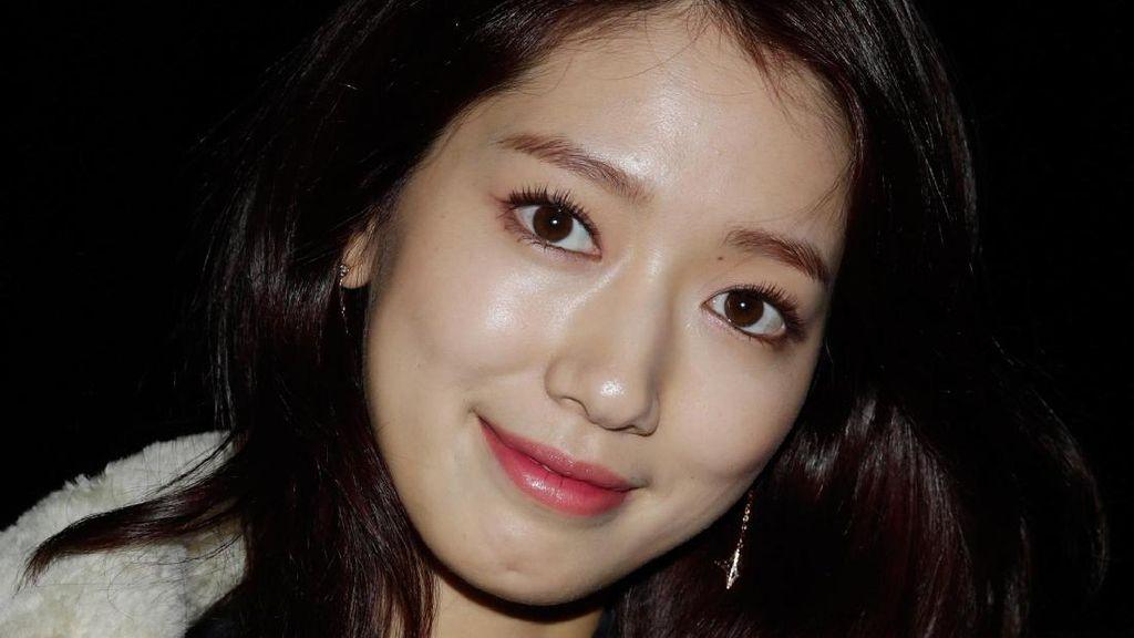 Park Shin Hye Mengaku Alergi Matahari, Seperti Apa Gejalanya?