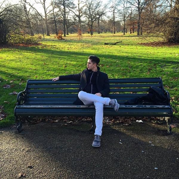 Kensington Gardens di London jadi pilihan Verrell buat bersantai (bramastavrl/Instagram)