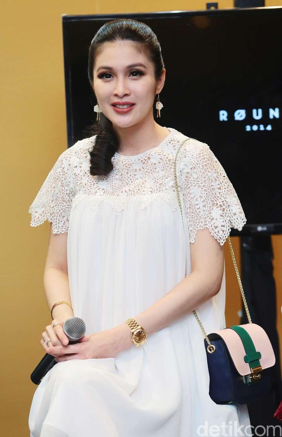 Hamil Tua, Sandra Dewi Makin Cantik Aja