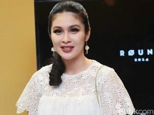 Sandra Dewi Tak Pernah Dengar Curhatan Delon soal Rumah Tangga