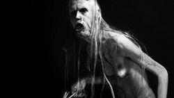 Kondisi genetik langka yang diidap Javier Botet (40) dimanfaatkannya untuk masuk dunia perfilman. Ia pun terkenal karena menghidupkan karakter tokoh monster.