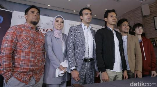 Senyuman Dewi Sandra Dijamin Bikin Hati Adem