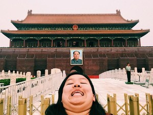 Wanita Ini Lawan Standar Kecantikan dengan Selfie Pamer Lipatan Lemak di Dagu