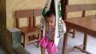 Ekspresi Lucu Anak-anak Saat Ditimbang di Posyandu