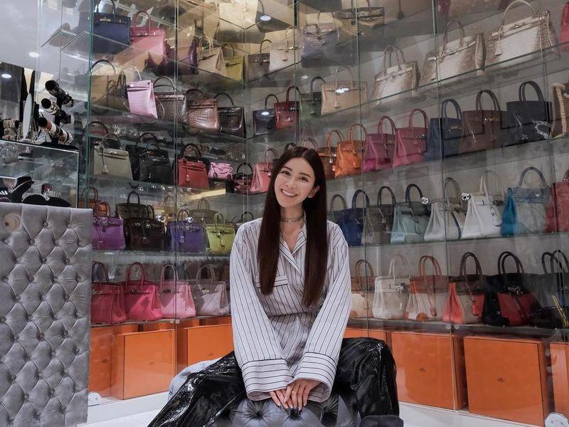 Jamie Chua mulai dikenal netizen karena fotonya yang memperlihatkan kehidupan mewah, serta koleksi tas Hermes yang beragam (@ec24m/Instagram)