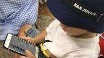Menyikapi Anak yang Minta Handphone Seperti Teman-temannya
