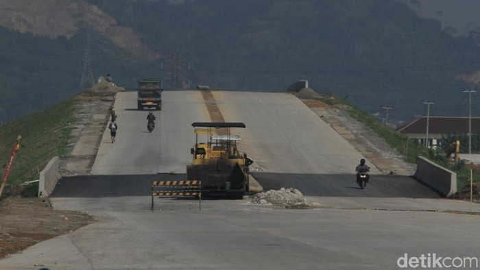 Jalan Tol Seroja