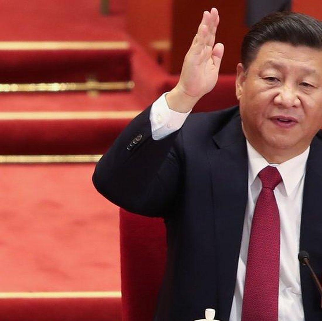 Lempar Tinta ke Poster Presiden Xi, Wanita China Ditangkap