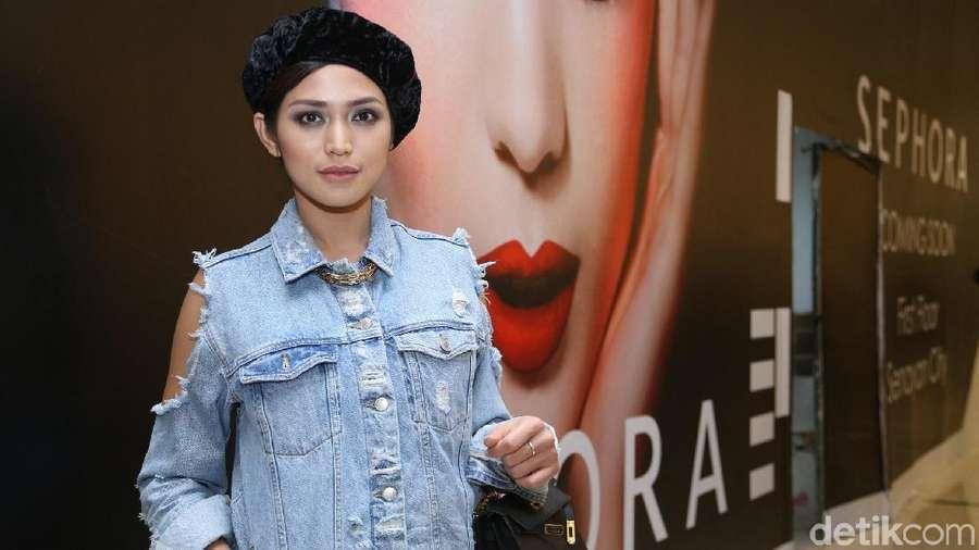 Gaya Double Denim Jessica Iskandar, Yay or Nay?