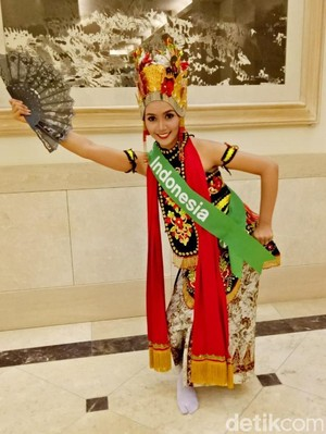 Tampilkan Tari Gandrung, Revindia Carina Sabet Miss Best Talent