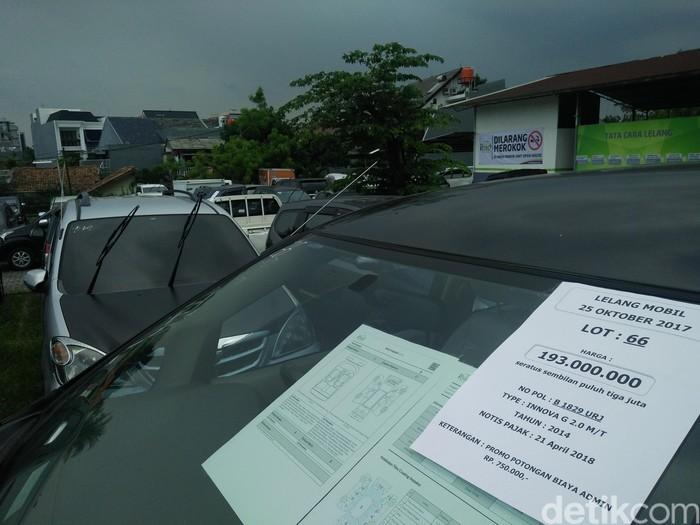 Lelang mobil di pool IBID-Balai Lelang Serasi Jl. Ciputat Raya No. 100 Kebayoran Lama, Jakarta Selatan