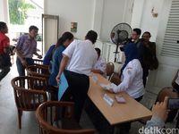 Anies Baswedan Terima Aduan Warga di Balai Kota