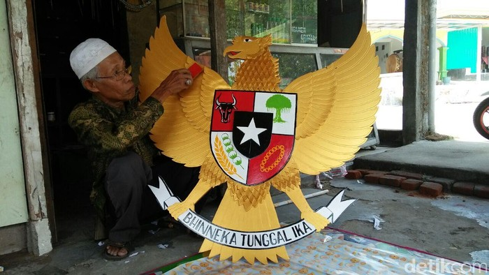 Kado Garuda Pancasila untuk kado pernikahan anak Jokowi