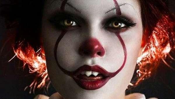 Wajah Bunglon dari Si Cantik Cosplayer Asal Rusia