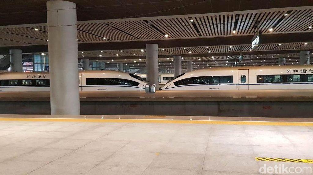 Butuh Rp 10 Triliun Bangun Kereta Layang di Jakarta