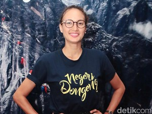 Nadine Chandrawinata-Dimas Anggara Makin Mesra, Rekam Jejak Jennifer Dunn