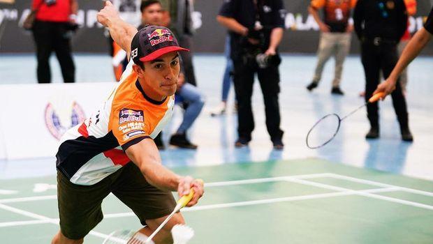 Marc Marquez memenangi duel dengan Lorenzo di pertandingan bulutangkis