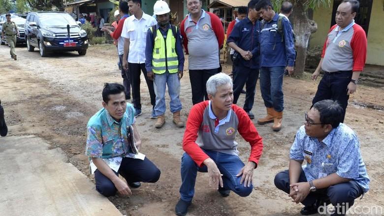 Ganjar Jelaskan Soal Jalan Rusak di Pekalongan Akibat Pembangunan Tol