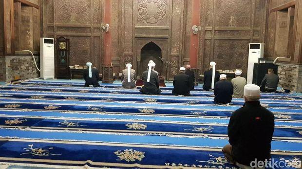 Subhanallah.. Indahnya Ayat Alquran di Dinding Masjid Tertua China