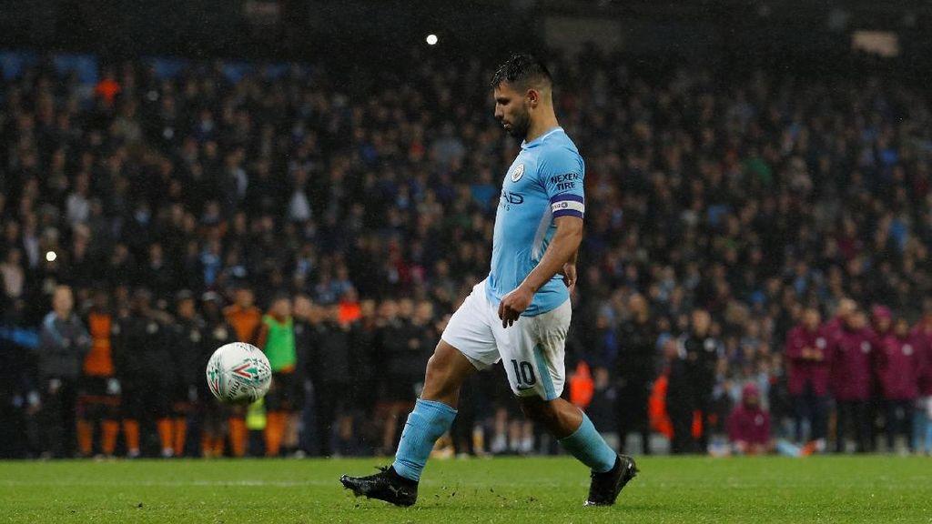Dikomplain soal Bola, Penyelenggara Piala Liga Ingin Temui Guardiola dan City