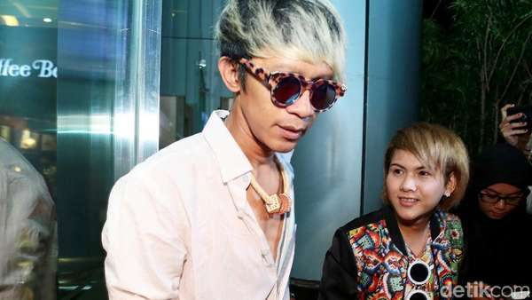 Panggil Sayang dan Gandengan Lagi, Aming dan Evelyn Balikan?