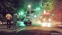 Mobil Terbakar di Kemang Padam, Tidak Ada Korban Jiwa
