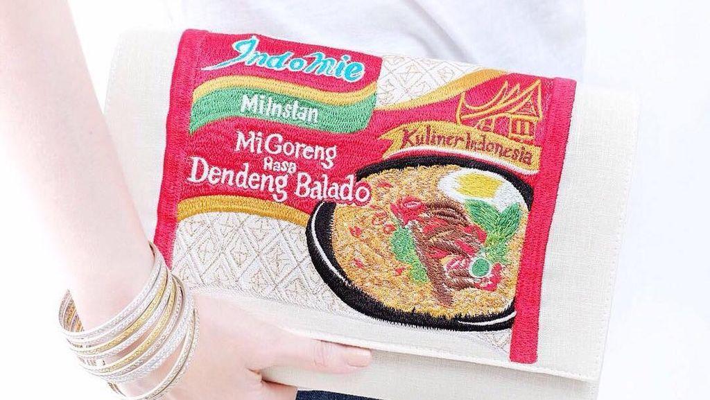 Misi Desainer Tas Indomie Nindy Mengenalkan Produk Lokal Lewat Gaya Kekinian
