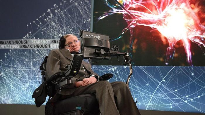 Ilmuwan ternama sekaligus ahli fisika Stephen Hawking meninggal dunia. Hawking merupakan pengidap ALS yang lumpuh sejak masih muda. Foto: Getty Images