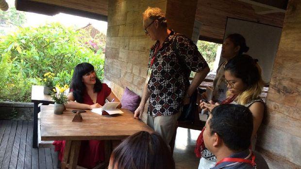 Novel Intan Paramaditha 'Gentayangan' Rilis di UWRF 2017