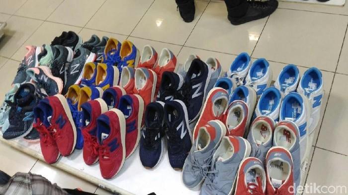 Sepatu Yang Didiskon Stok Lama Pembeli Di Lotus Thamrin Kecewa