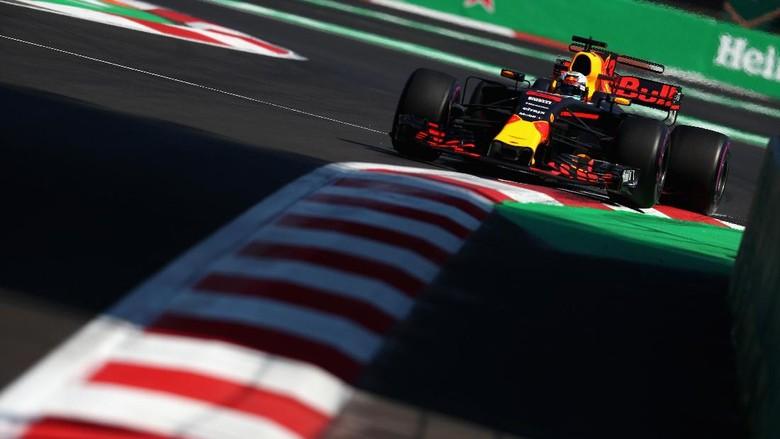 Ricciardo Rebut Sesi Kedua