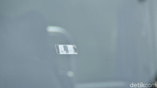 Stiker pada kaca mobil untuk transaksi tol di Taiwan