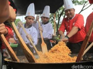 7.200 Porsi Beras Singkong Goreng Khas Cimahi Pecahkan Rekor ORI