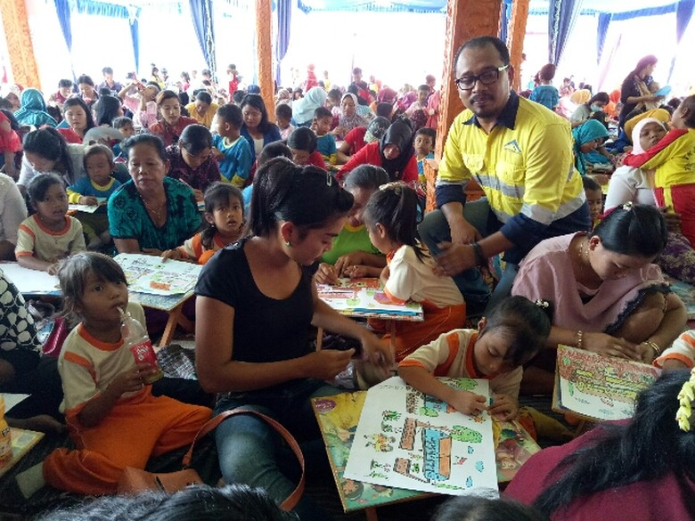 Sumpah Pemuda Jadi Tema Lomba Warna 1000 Anak Di Banyuwangi