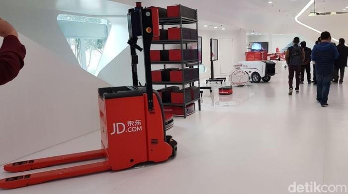 Kantor JD yang Futuristis