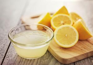 Campuran Minyak Kelapa dan Jus Lemon Ternyata Bisa Bantu Kecilkan Pori di Wajah