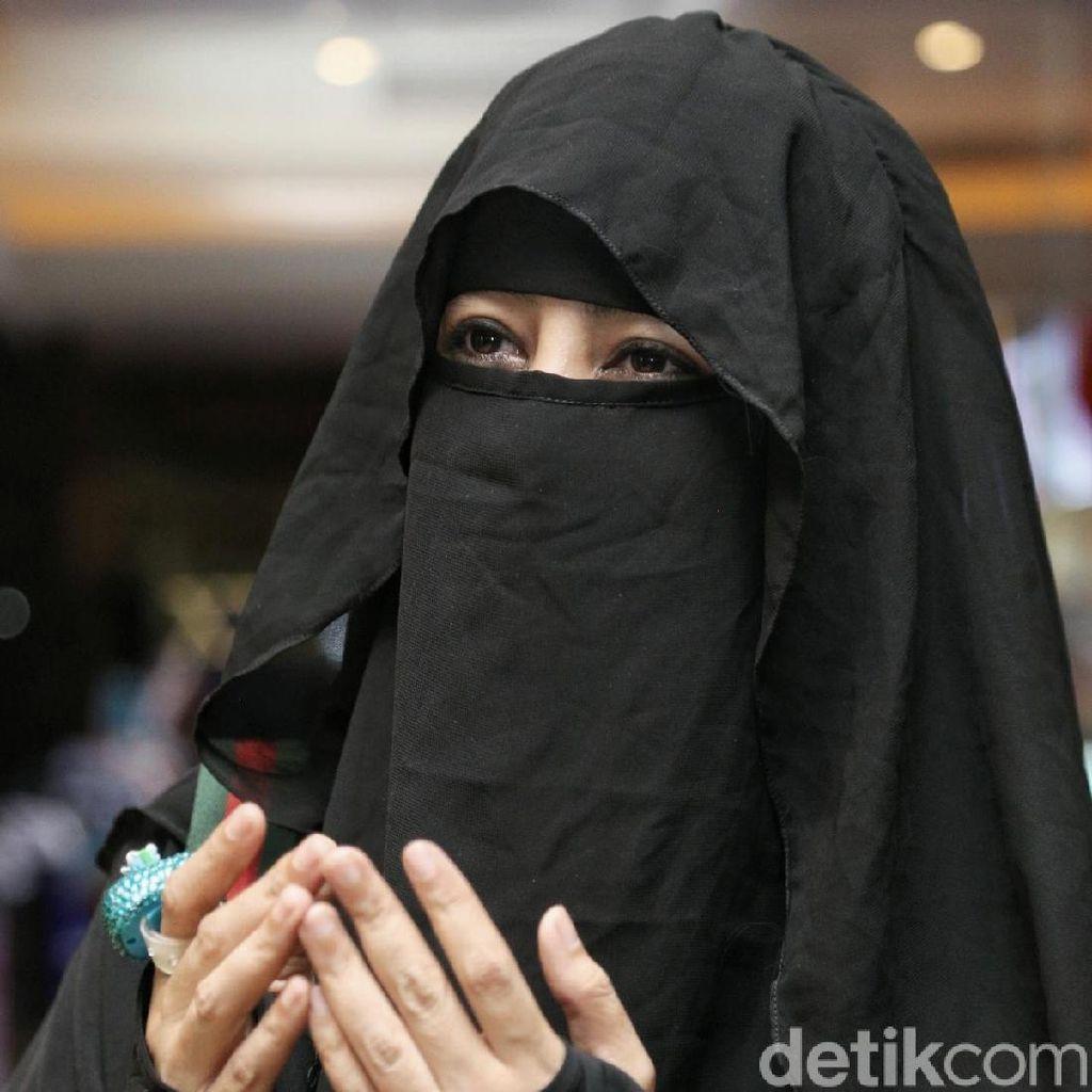 Kata Umi Pipik, Lebih Keren Ikut Khatam Alquran daripada #10YearChallenge