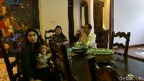 Jokowi Rapat dengan Mensesneg dan Luhut di Solo, Bahas Apa?