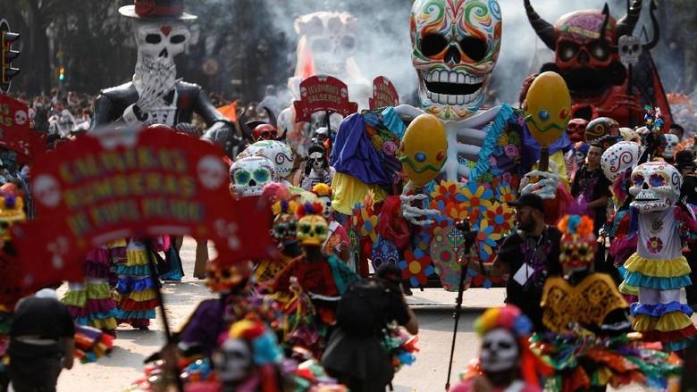 Festival Dia de Muertos di Meksiko (Edgard Garrido/Reuters)