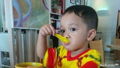 3 Cara Terapkan Pola Makan Seimbang pada Anak
