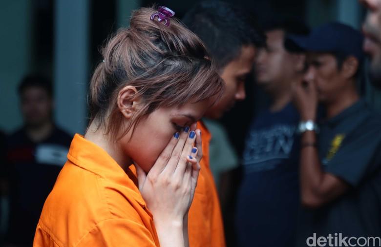 Artis FTV dan Pacar Pesan Narkoba, Polisi Nyamar Jadi Driver Gojek