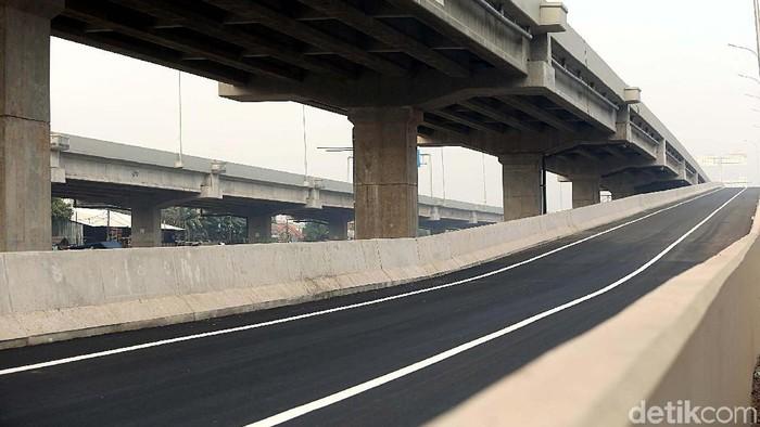 Jika tak ada halangan, Presiden Joko Widodo (Jokowi) akan meresmikan ruas Tol Becakayu sepanjang 8 km yang menyambungkan seksi 1b dan 1c November tahun ini.