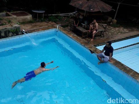 Seluruh otot tubuh dapat terlatih dengan berenang.