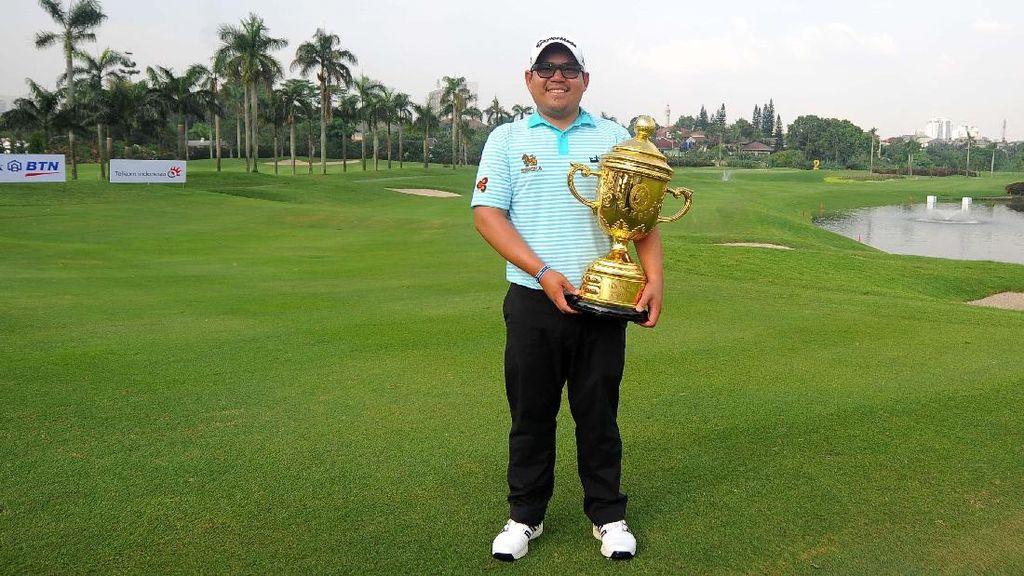 Pegolf Thailand Panuphol Pittayarat Juara Golf Indonesia Open
