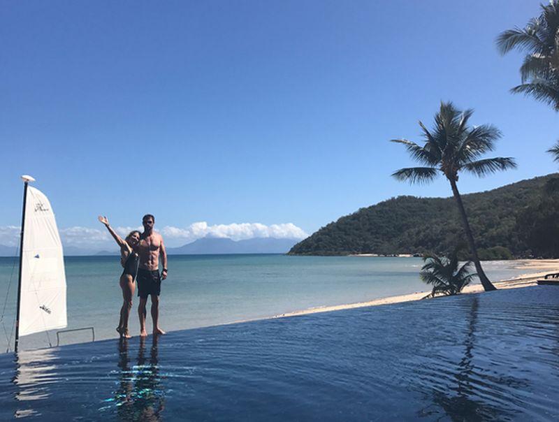 Beberapa waktu lalu Chris Hemsworth dan pasangannya, Elsa Pataky liburan ke Orpheus Island. Inilah pulau privat di dalam gugusan Great Barrier Reef, Australia (Instagram/@chrishemsworth)