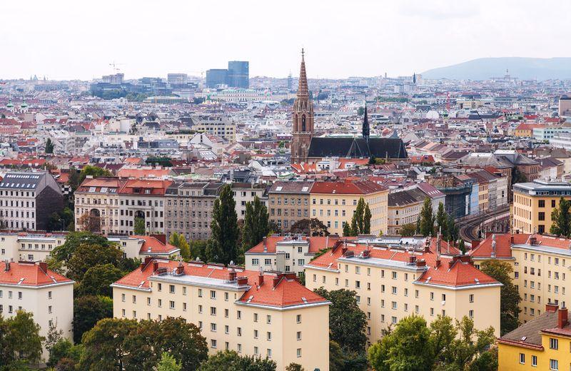 Kota Milan di Italia tidak hanya menjadi pusat tren dunia, tapi juga cinta. Namun untuk mencari cinta di sini, kamu harus punya modal pakaian yang rapi (Thinkstock)