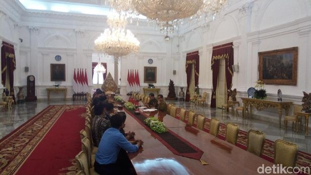 Presiden Jokowi ditemui Asosiasi Petani Tembakau di Istana