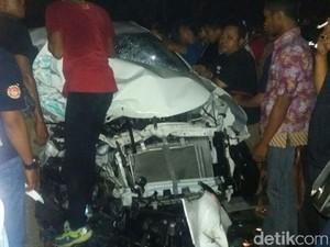 Ini Penyebab Kecelakaan Mobil Avanza Tabrak Truk di Ngawi