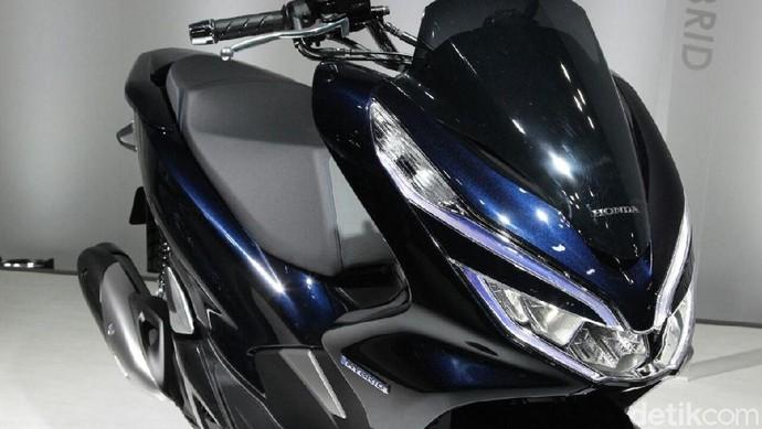 Honda PCX Hybrid dan Listrik, Cakepan Mana?